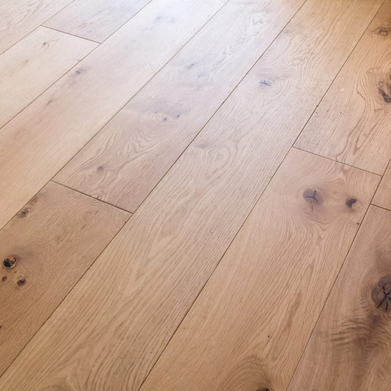 V4 Alpine oak rustic oiled