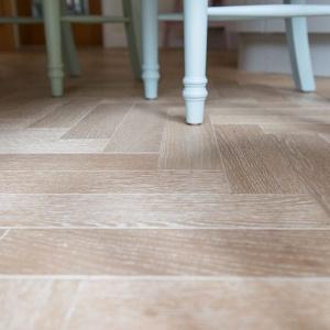 v4 zigzag nordic oak
